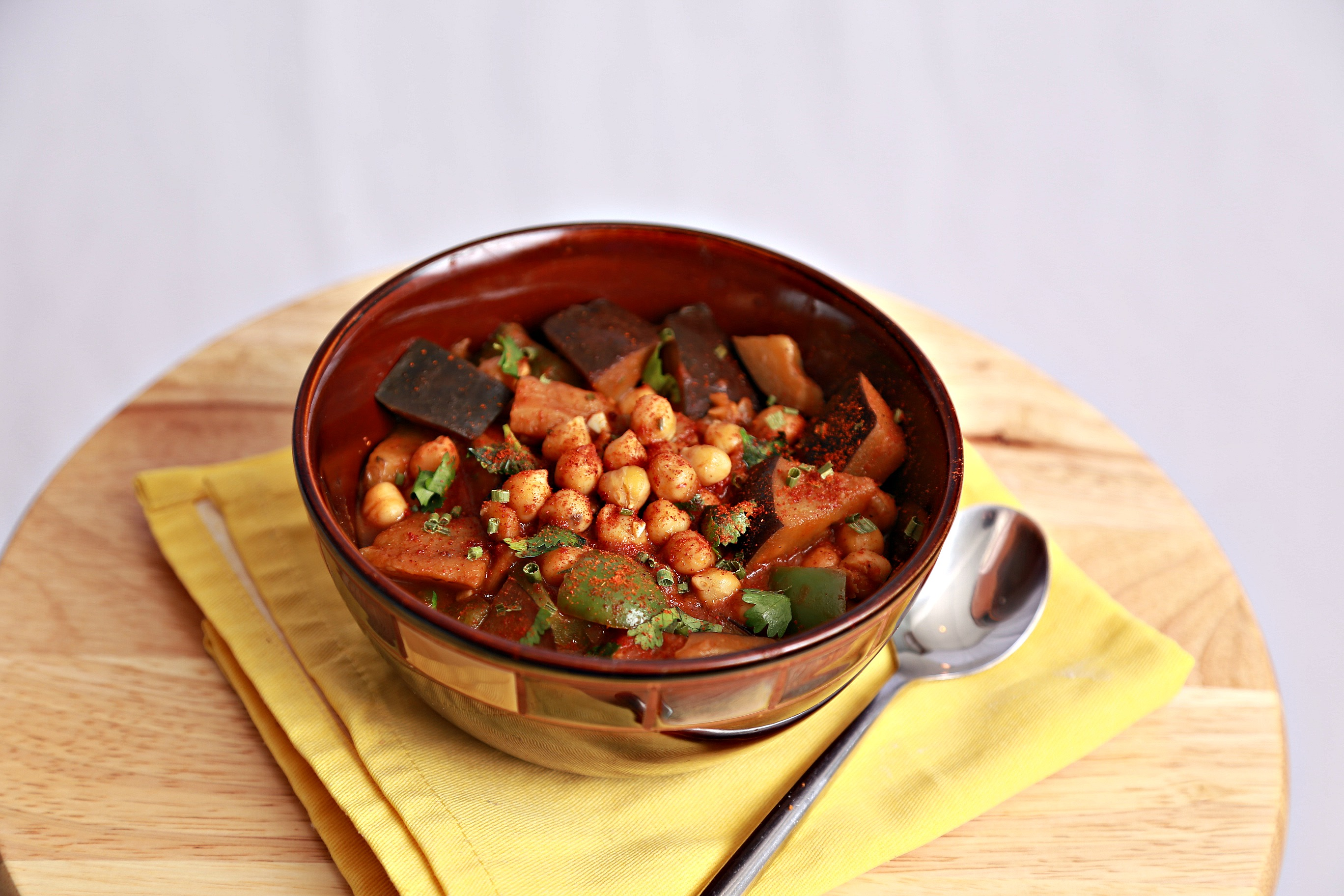 Eggplant curry with chickpeas tabbakh rohoo enjoy this eggplant curry forumfinder Gallery