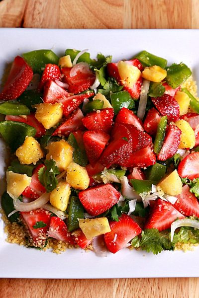 Strawberry salad with bulgur