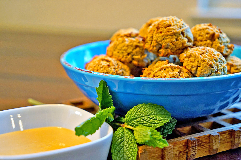 Baked Saffron Falafel with Orange Tahini Sauce - :: Nutrizonia ::