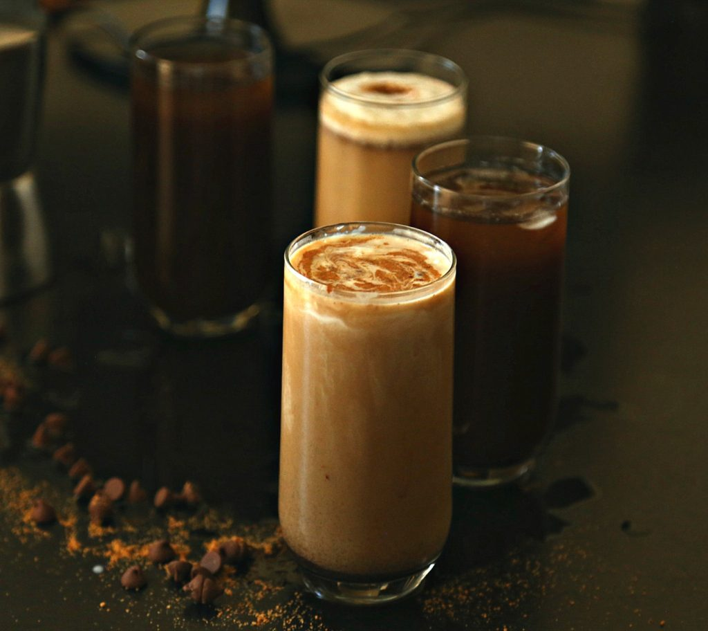 Cold Carob Drinks {Traditional & Latte}