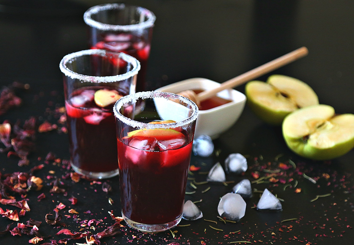 Green Apples with Ginger Hibiscus Iced Tea - :: Nutrizonia ::
