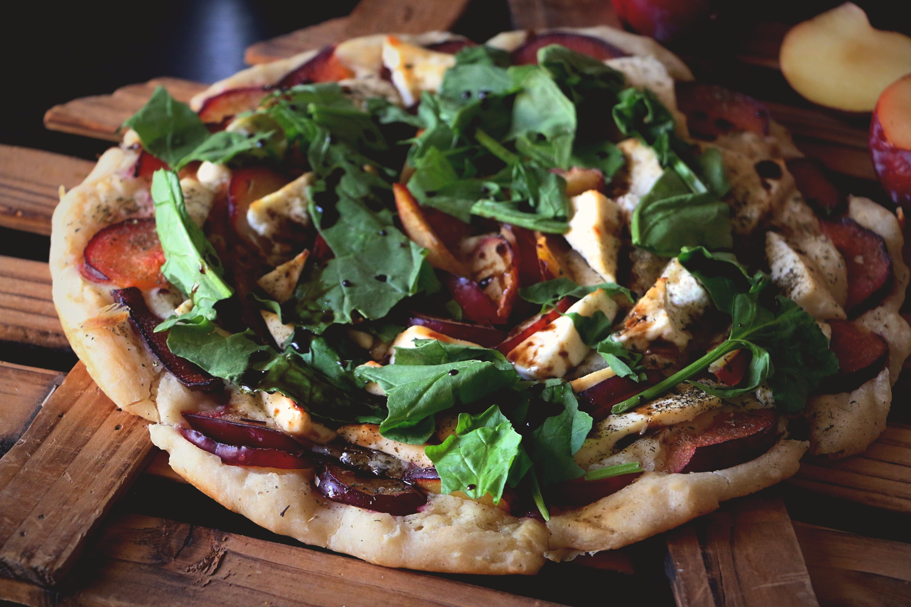 Healthy Plum and White Cheese Pizza
